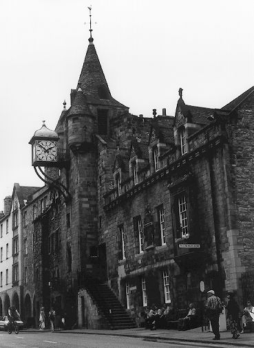 Canon Gate Toll Both in Edinburgh